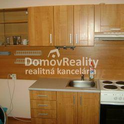 Prenájom 1+1 izb.byt v Prievidzi – Necpaly, kompletne zrekonštruovaný a zariadený