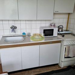 Len u nás - Veľký  1 izbový byt 35 m 2, s 2 loggiami,  Radvaň, B. Bystrica  – Cena  89 000€