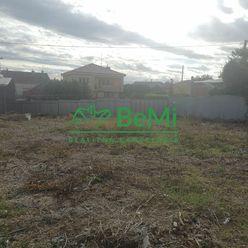 Pozemok vhodný na stavbu domu, na podnikanie - Horná Kráľová (016-14-LEMA)