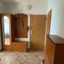 NA PRENÁJOM: 2 izbový byt na Jiráskovej ulici