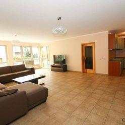 4 izbový byt s terasou a dvojgarážou, Tupého ul.