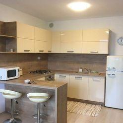 Prenájom 2 - izb. novostavby s garážovým miestom v Dúbravke na ul. Pri Hrubej lúke