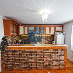 Predaj, 6 izbový poschodový rodinný dom Dražovce mestská časť Nitry na pozemku 677m2.