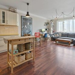 HERRYS - Na predaj priestranný 2 izbový byt so samostatným šatníkom, pivnicou a garážovým státím na