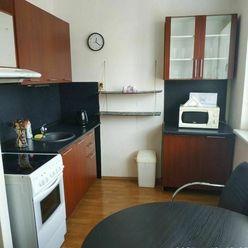 1 izb. byt - Bratislava V - Petržalka - Topoľčianska ulica