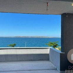 Povljana /Chorvátsko- Predaj veľkého apartmánu s výhľadom na more