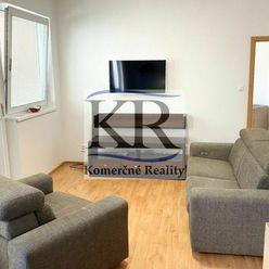 Slnečný veľkometrážny 3-izbový byt v Šelpiciach na predaj