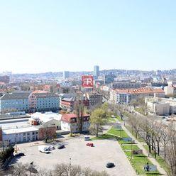 HERRYS - na prenájom 2 izbový byt blízko Štrkoveckého jazera s krásnym výhľadom na mesto