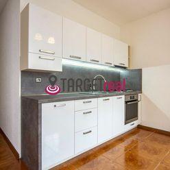 Predaj, dvojizbový byt, čiastočná rekonštrukcia, Žilina, Vlčince