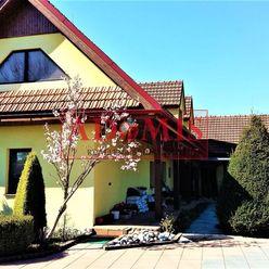 ADOMIS - priestranný rodinný dom, Hosťovce