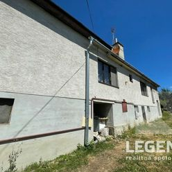 LEGEND - Starší priestranný RD v Ardanovciach - 1900m2, 3i+1+1, kúsok od Piešťan