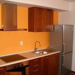 Veľký 1-izb. byt s parkovacím miestom