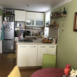 Krásny, kompletne prerobený a zariadený 2 izbový byt 25 km od BA