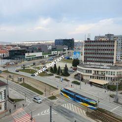 2 izb. byt, Nám. osloboditeľov, Staré mesto, 51m2, lodžia, kompl. rek., 8.p Košice I