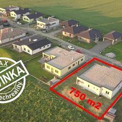 Rozostavaný MODERNÝ 5-izb. RD BUNGALOV s garážou  208m2 . pozemok 750m2 OSLANY