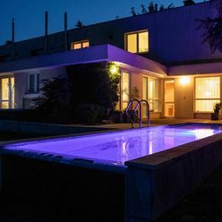 Vihorlatská - Krásny byt 117 m2, so Záhradou , Bazén, Terasa, Kompletná rekonštrukcia, Zariadený