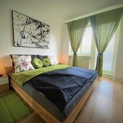 Na predaj 3 - izbový byt , po kompletnej rekonštrukcií v Ilave, 70 m2, veľký balkón.