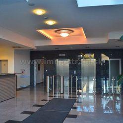 Nadštandardné administratívne priestory na prenájom o výmere 552 m2 a viac v budove Ravak Business C