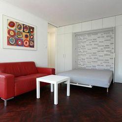 MODERNÝ  1-izbový byt S BALKÓNOM, 32m2, V CENTRE Bratislavy / STARÉ MESTO.