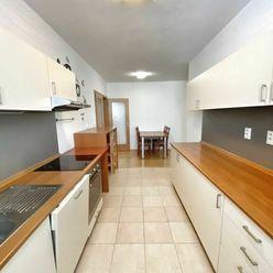 3 izbový byt v Ružinove s vlastným parkovacím miestom(ENG)
