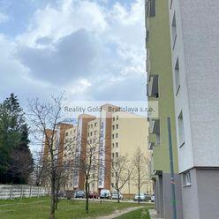 Ponúkame na predaj 3 izb  byt v  Senci po rekonštrukcii