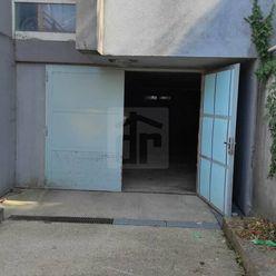 Directreal ponúka V Šamoríne garáž na predaj.