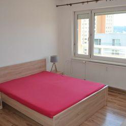 TOP LOKALITA - Slnečný a zrekonštruovaný 1 izb.byt s veľkou loggiou,42 m2 - Hliny 6, Žilina