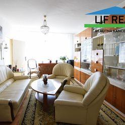 Veľkometrážny 4 izbový byt v centre Martina