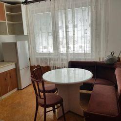 Directreal ponúka Na predaj 3 izbový byt s balkónom v úplnom centre mesta GA.