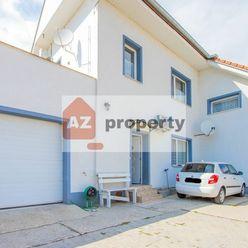 Investičný veľkorysý pozemok s Rodinným domom  s dvomi bytovými jednotkami na ulici Hradská