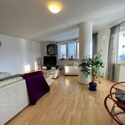 Priestranný 5i byt v novostavbe na prenájom v Karlovej Vsi