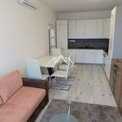 Ponúkame Vám na prenájom 2- izbový byt v centre mesta Galanta.