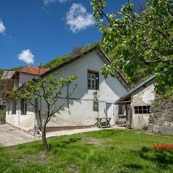 Exkluzívne na predaj rodinný dom o úžitkovej ploche 288 m2 v pokojnej lokalite , Banská Štiavnica