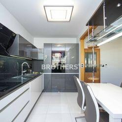Štýlový byt - voľný ihneď, 3 - izbový, 93m2, Bratislava - Nové Mesto, Vajnorská ulica