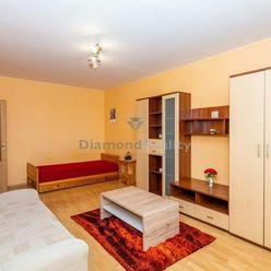 Na predaj IHNEĎ VOĽNÝ 1 izbový byt, 2x loggia, 2x výťah, Košice-Staré mesto