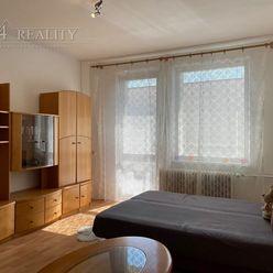 1 izbový byt s kuchynským kútom, 24 m2 + lodžia, internet/TV, Trenčín, Staničná ul. / Zámostie