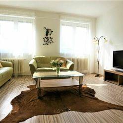 BEZ PROVÍZIE PRE REALITKU / Kompletne zrekonštruovaný 2-izb. byt, 55m2, V CENTRE Bratislavy.