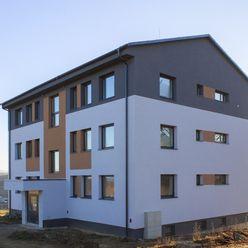 Novostavba 4-izbového bytu vo Vaniškovciach pri Raslaviciach na predaj
