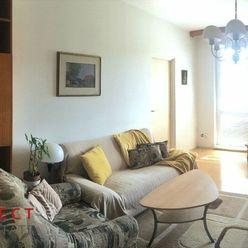 Slnečný 3 izbový byt s veľkou lodžiou