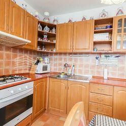 Rezervovaný - Ponúkame na predaj 3. izbový byt vo vyhľadávanej lokalite mesta Pezinok, sídl. Juh