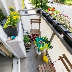 BA/NOVÉ MESTO - 2 izbový byt s balkónom aj zasklennou loggiou