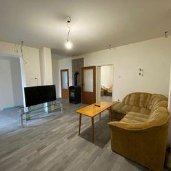 TRNAVA REALITY - EXKLUZÍVNE Ponúka - Boleráz čiastočne prerobený 3 izbový rodinný dom