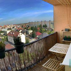 SENEC - NA PREDAJ 3 izbový veľkometrážny, slnečný byt v obľúbenej lokalite - ul. Bernolákova v Senci
