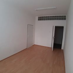16m2 kancelaria na prenajom Gogolova 18 Petrzalka