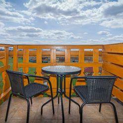Predám veľmi zaujímavý apartmán s dvoma balkónmi vo Veľkej Lomnici