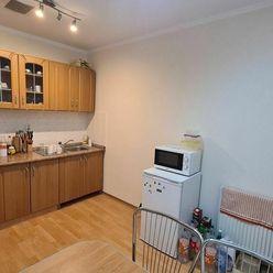 Predáme 3 - izbový v Bytči v polyfunkčnej budove, R2 SK.