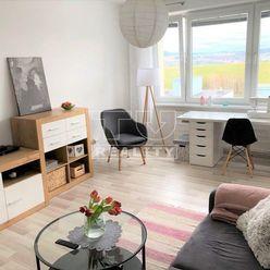 Slnečný 3 izbový byt, 72m2, Sásová