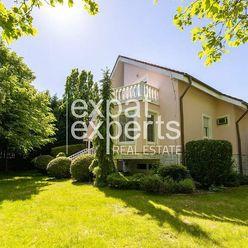 Krásny 2 - podlažný rodinný dom, 342m2, zariadený, s garážou, terasou