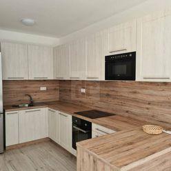 Directreal ponúka Prenájom novostavby tehlového 2i bytu s loggiou a garážovým parkovacím státím