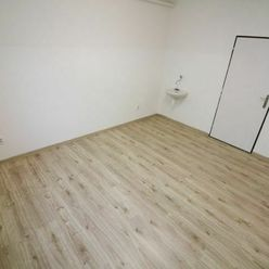 Samostatná kancelária o výmere 12.5 m2, Muštová ul.